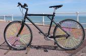 Fahrrad-Rad sprach Kunst mit Trinkhalme.