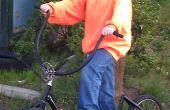 Tretroller von einem alten Fahrrad und geborgen Teile