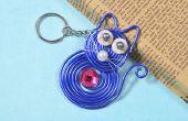 Wie erstelle ich niedliche Schlüsselanhänger mit blauer Draht gewickelt Cat Anhänger