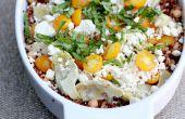 Beeren von Weizen, Gerste, Quinoa und Kichererbsen mit goldenen Tomaten, Artischockenherzen, Schafskäse und Basilikum