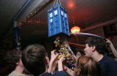 TARDIS ziehen String Pinata
