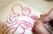 Ein Boot mit Vinyl schneiden Designs schmücken