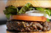 Erfahren Sie, wie einen Burger auf dem Grill perfekt kochen