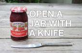 Öffnen Sie ein Stuck Glas mit einem Messer