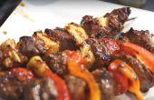Gewusst wie: Steak-Spieße auf dem Grill kochen