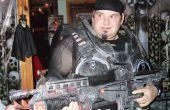 Karton-Halloween-Kostüme und Waffen Zahnräder des Krieges Stil