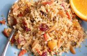 Quinoa mit gerösteten Mandeln, Cranberries und Aprikosen