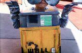 WALL-E und EVE aus meist recycelte Materialien bauen.