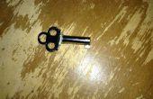 Wie einen Schlüssel der Handschellen zu verstecken