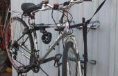 Fahrrad Halter zweckentfremdet als Fahrrad-Montageständer