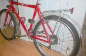 Fahrrad Schutzbleche aus Wasserflaschen und Kleiderbügel