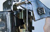 Reparatur hintere Verriegelung an Toyota Sequoia