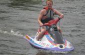Wie man einen Jet-Ski, einen Anhänger und ins Wasser