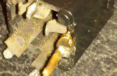 Gewusst wie: Reparieren einer defekten Lautsprecher Jack Terminal auf der Gitarre cabinent.
