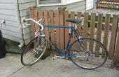 Fahrrad-Reifen und Schlauch mit dem Rennrad zu ersetzen