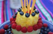 Machen eine ganze Torte aus Frucht: Berry fruchtige Kuchen