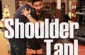 Schulter tippen Sie auf Freunde gewinnt und Leute - ein arabische Amerikaner beeinflussen improvisiert Gruß