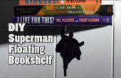 Superheld schwebende Bücherregal