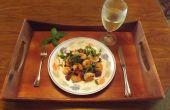 Knoblauch-Garnelen mit Schinken, grünem Pfeffer & schwarze Oliven