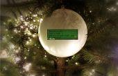 Tweetball: Eine Weihnachtskugel Ornament, das zeigt Ihre Freunde twitter Wünsche