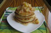 Buttermilch Pfannkuchen mit Apfelkompott und Honig (gemacht mit Ghee)