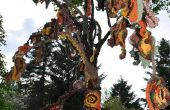 Herbst weint, gehäkelt Baum
