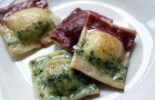 Gluten-freie dreifarbigen Ravioli mit gerösteter Butternut-Kürbis, Kichererbsen, Knoblauch geröstet und karamellisierten Zwiebeln