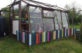 Gewächshaus Kind Zaun aus recycelten Paletten