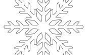 Wie erstelle ich eine perfekte Kirigami Papier-Schneeflocke in 6 einfachen Schritten