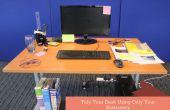 Schreibtisch mit nur Ihr Briefpapier ordentlich