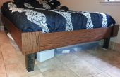 Queen-Size-Bett, der für die Bewegung bricht.