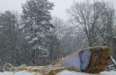 Yeti-Füße-stellen-Yeti-Spuren im Schnee!