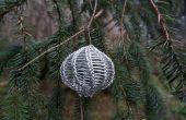 Gewusst wie: bringen Sie sich selbst stricken mit Draht (und vielleicht auch eine Christbaumkugel machen)
