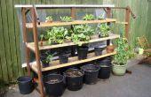 Vertikalen Garten gemacht aus Schrott