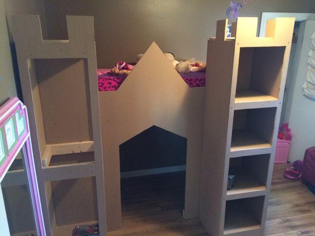 prinzessin schloss bett spielturm. Black Bedroom Furniture Sets. Home Design Ideas