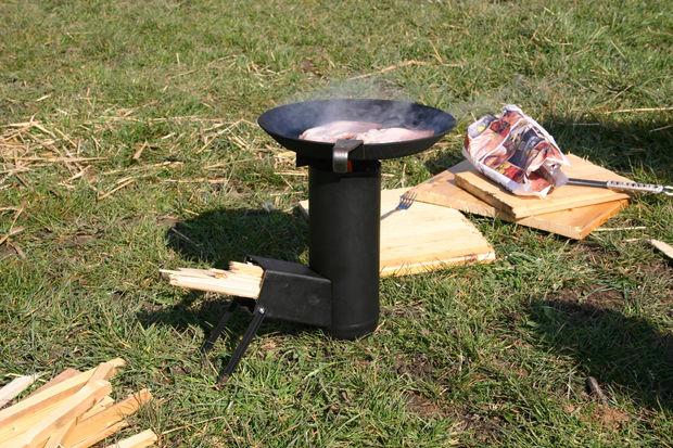 camping rakete herd schritt 9 genie en sie im freien kochen mit holz. Black Bedroom Furniture Sets. Home Design Ideas