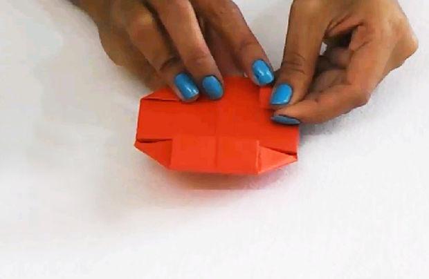 einfache diy papiermodelle wie man origami bett mit. Black Bedroom Furniture Sets. Home Design Ideas