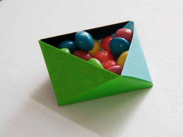 dreieckige modulare origami schachtel. Black Bedroom Furniture Sets. Home Design Ideas