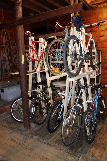 holz fahrradst nder f r 5 fahrr der schnell und niedrige. Black Bedroom Furniture Sets. Home Design Ideas